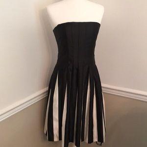Like New BCBGMAXAZRIA Edgy Cocktail Dress 🌿